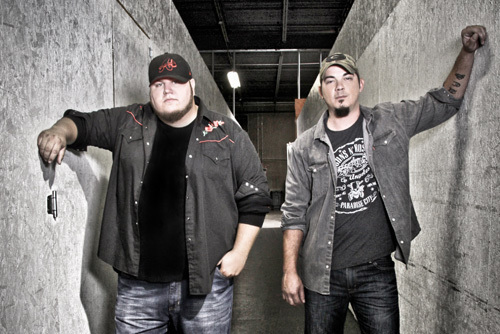 "World Premiere: The Lacs ""Redneck As Me"""