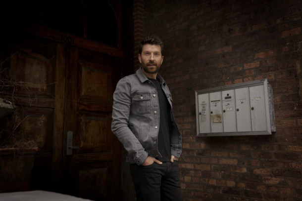 "Album Review: Brett Eldredge – ""Sunday Drive"""