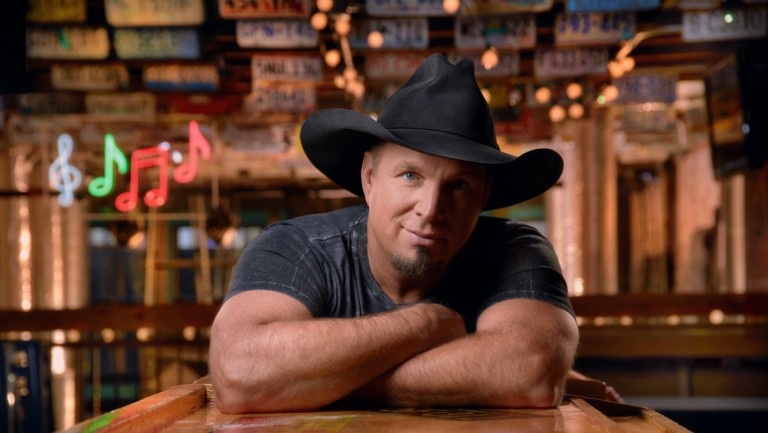 "Album Review: Garth Brooks – ""Fun"""